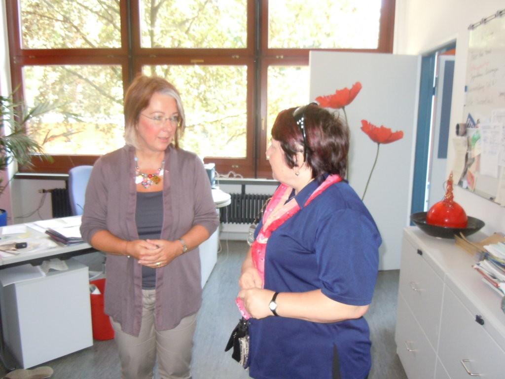 Frau Rektorin Beate Müller begrüßt ihre Gäste