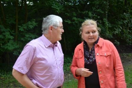 Herr Pflugfelder, Konrektor der Rilke-REalschule mit Frau Vondráková aus Brünn