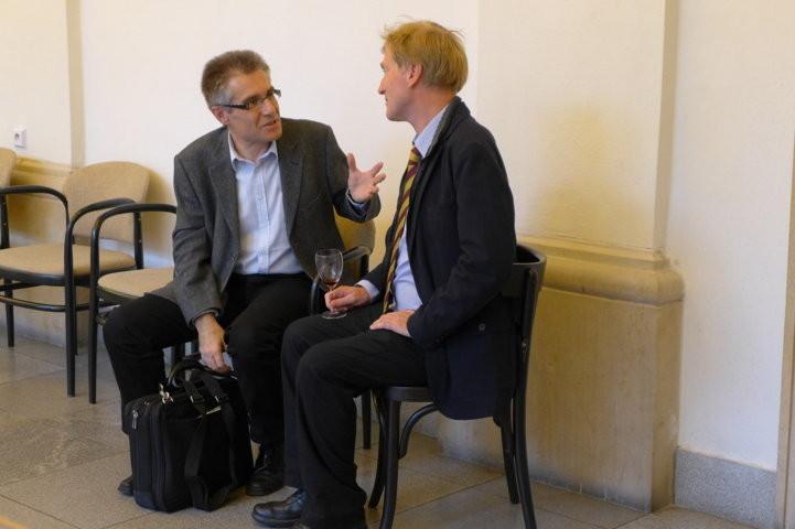 HerrRalf Kaufmann im Gespräch mit Dr. Zdeněk Mareček, Institut für Germanistik