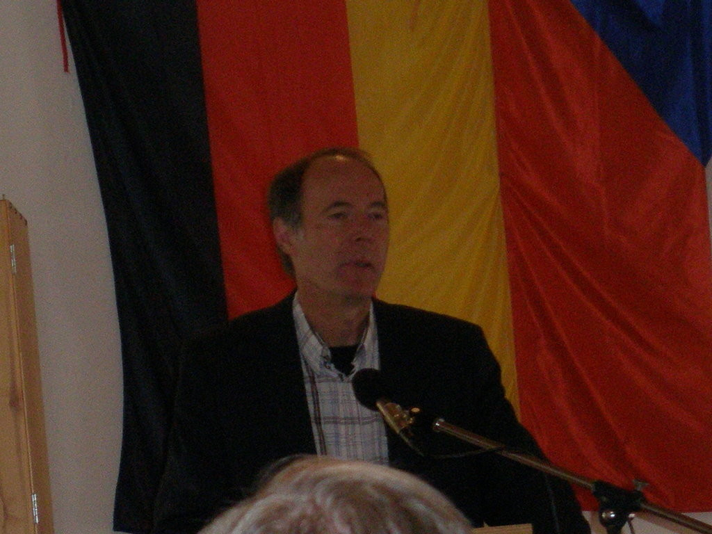Dr. Peter Becher