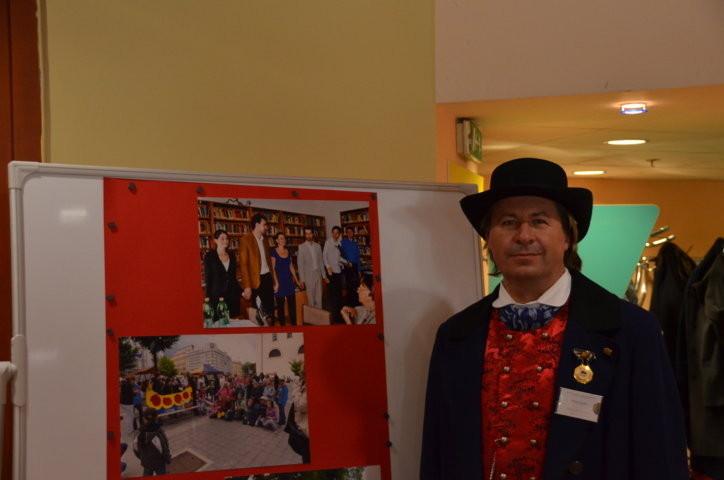 Herr Richard Sulko in der Egerländer TRacht Gast an unserem Stand