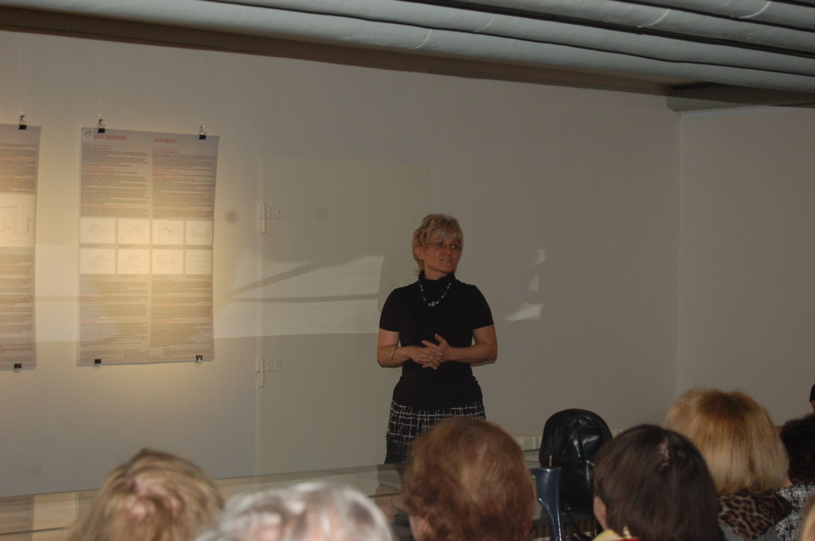 Frau Ing. Arch. Jana Šinkyříková, Autorin der Ausstellung