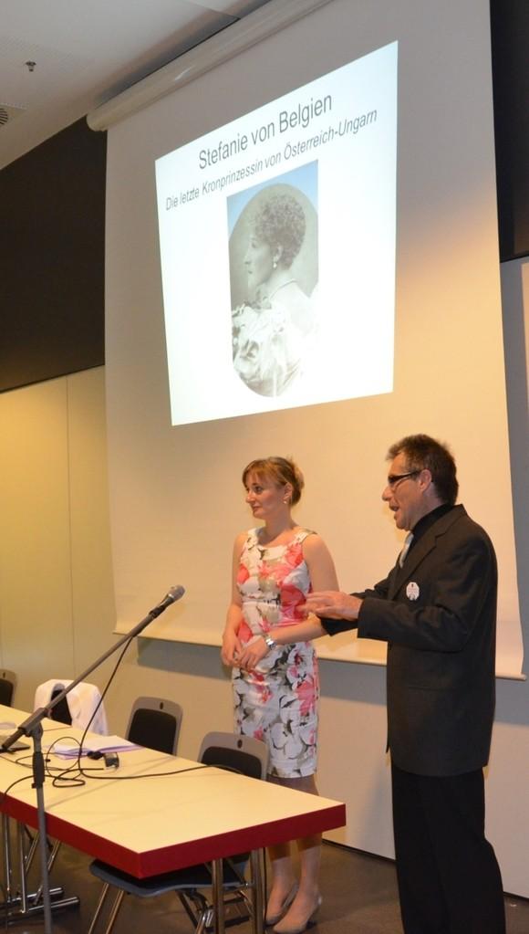 Frau Bc. Iveta Tomáštíková präsentiert die letzte österreichische Kronprinzessin Stephanie von Belgien