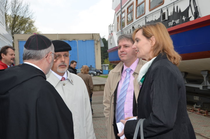 Abt Evzen Martinec, Dr. Mojmír Jeřábek, der Direktor des Auslandsreferats Brünn, Dr. Frederic Stephan, sein Kollege aus Stuttgart, Bürgermeisterin Isabel Fezer