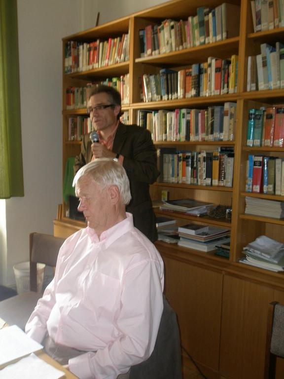 Eröffnung und Vorstellung des Referenten durch Dr. Zdeněk Mareček