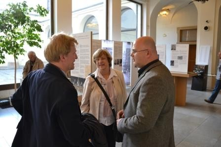 Herr Ralf Kaufmann, der 1. Botschaftssekretär der Botschaft der BRD in Prag im Gespräch mit dem Direktor des Mährischen Landesmuseums
