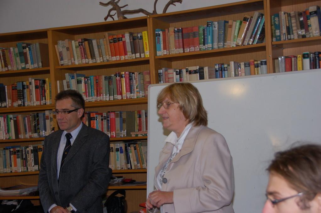 Dr. Zdeněk Mareček und Hanna Zakhari eröffnen die Konferenz