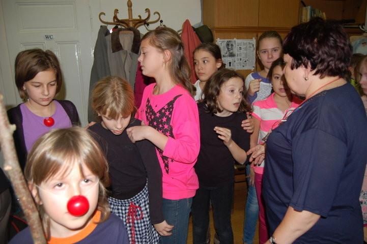 Vorbereitungen der Kinder in unserem kleinen Vorraum
