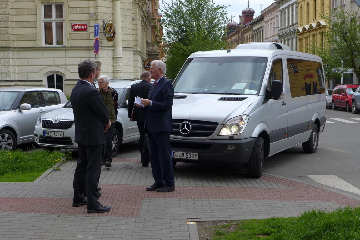 Ankunft der Bundestagsabgeordneten am BGZ Brünn