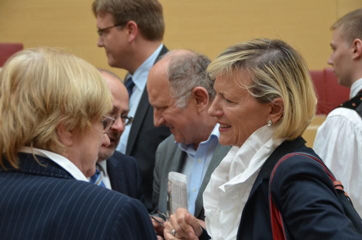 Herr Dr. Peter Müller und Frau Maria Pfleger, geb. Müller