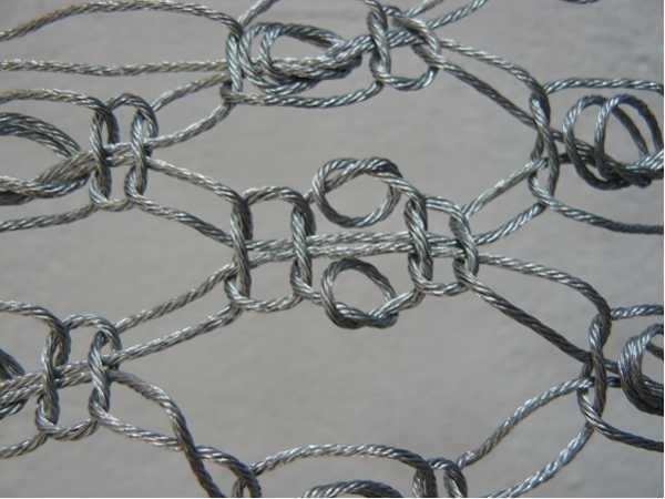 Makramè aus Stahlseil für eine Berliner Künstlerin