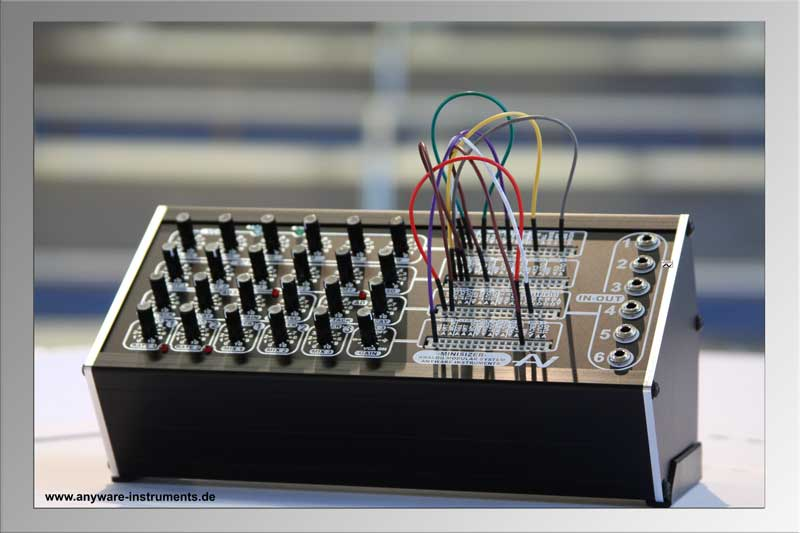 MINISIZER Modular Analog Synthesizer System