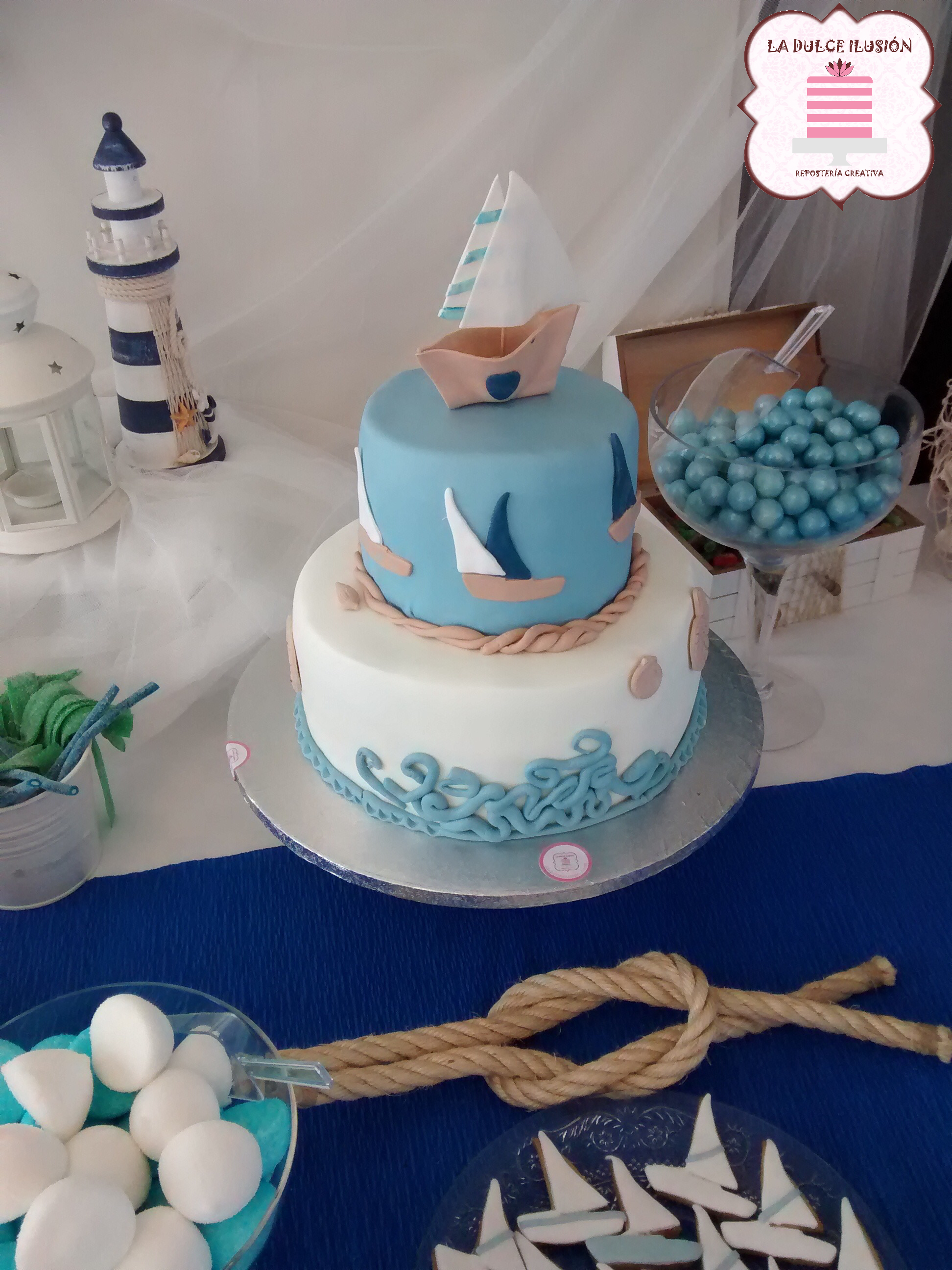 tarta fondant comunion marinero 2 pisos