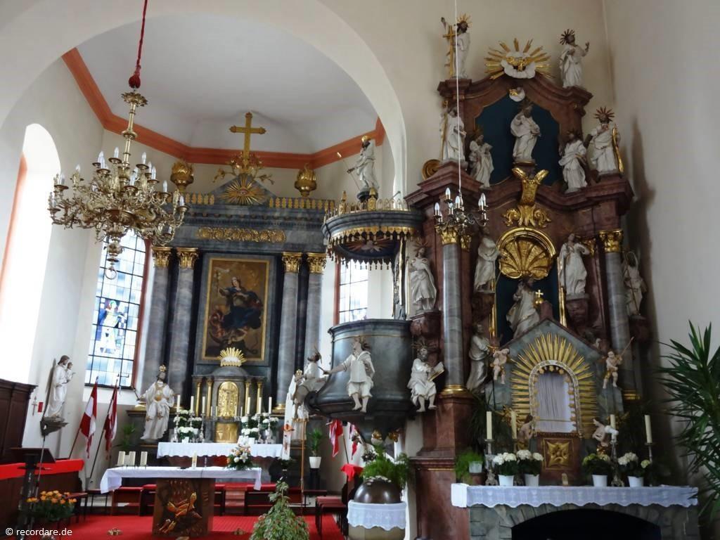 Apostelaltar und Hochaltar