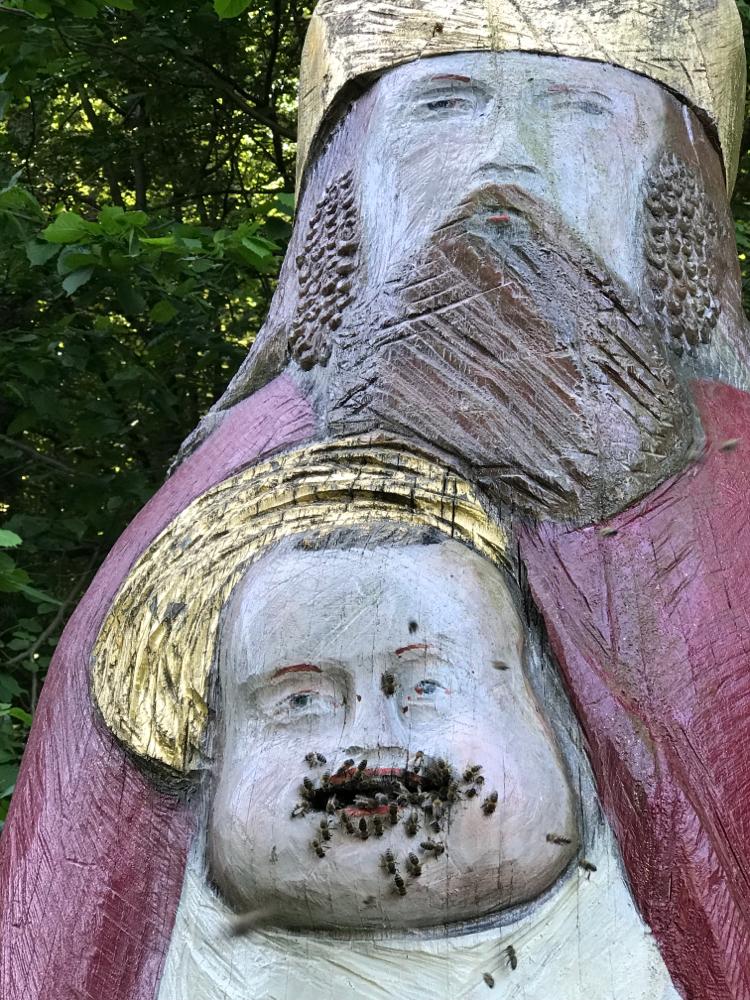 Vater und Sohn Ambrosius, Detail Figurenbeute