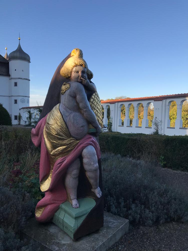 Frisch restauriert im Abendlicht auf Schloss Vöhlin Illertissen
