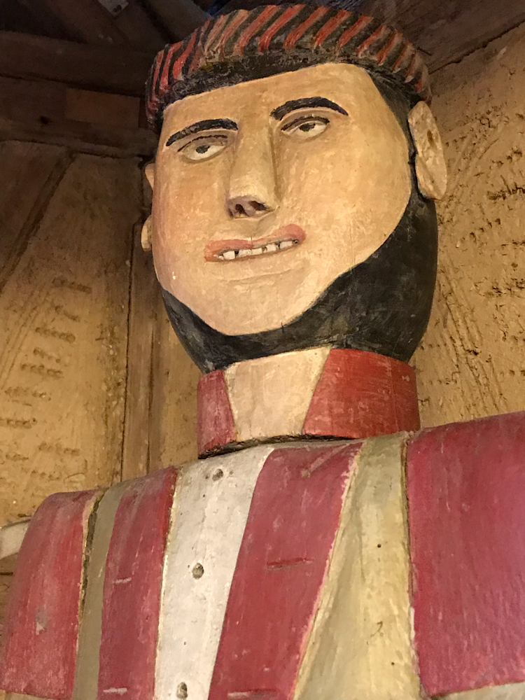 Historische Figurenbeute im Vogtländischen Freilandmuseum Landwüst