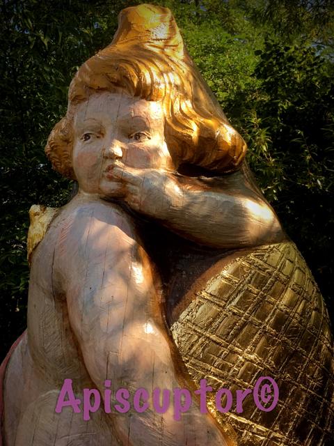 Friedhofskunst auch Figurenbeuten eignen sich, Birnauer Honigschlecker, bei der Arbeit