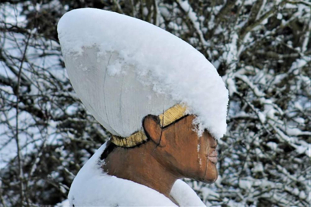1. Schnee, Echnaton als Figurenbeute