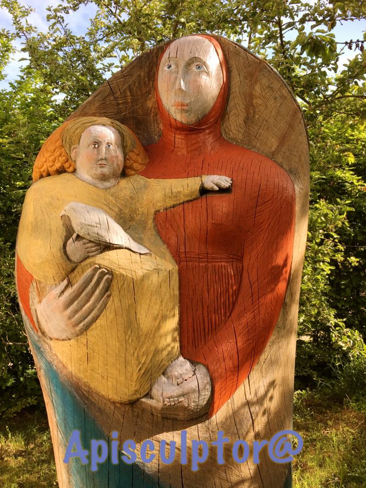 Maria mit Kind als Bienenstock