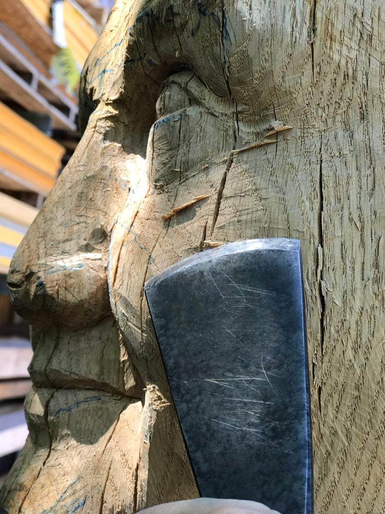 Schnitzarbeiten an der Rockenbacher Bötin