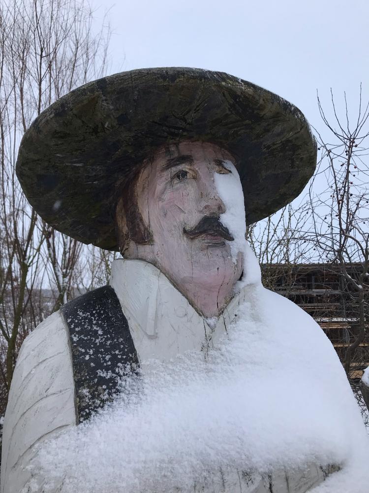 Der Zimmermann für Bienen im Schnee