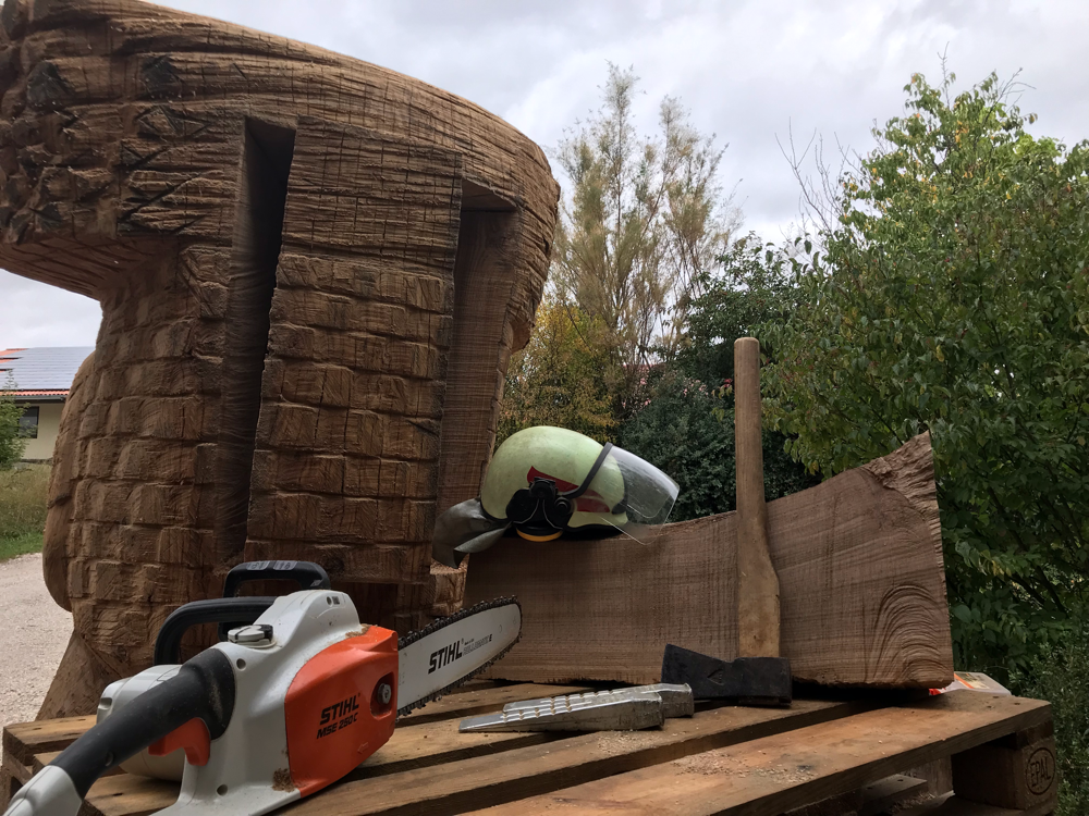 Beutenraum für die Bienen wird gehoben