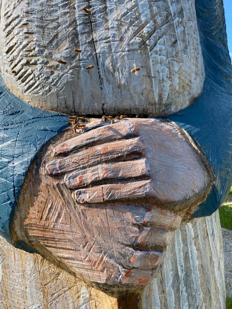 Die Figurenbeute Rockenbacher Bötin mit ihrer Urururenkelin