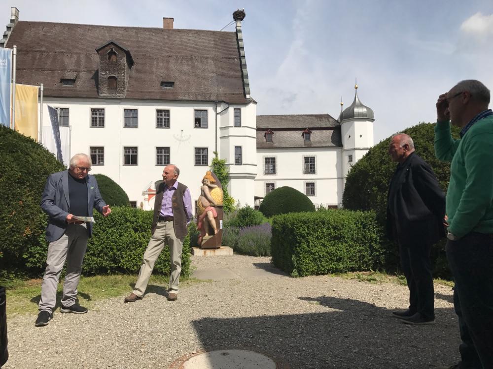 Herr Walter Wörtz, Leiter des Bayerischen Bienenmuseums spricht