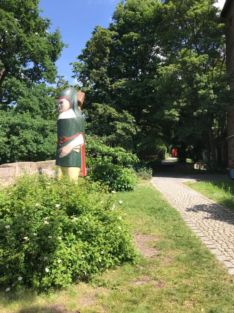 'Auf der Mauer auf der Lauer' der Nürnberger Zeidler und sein Bienenvolk