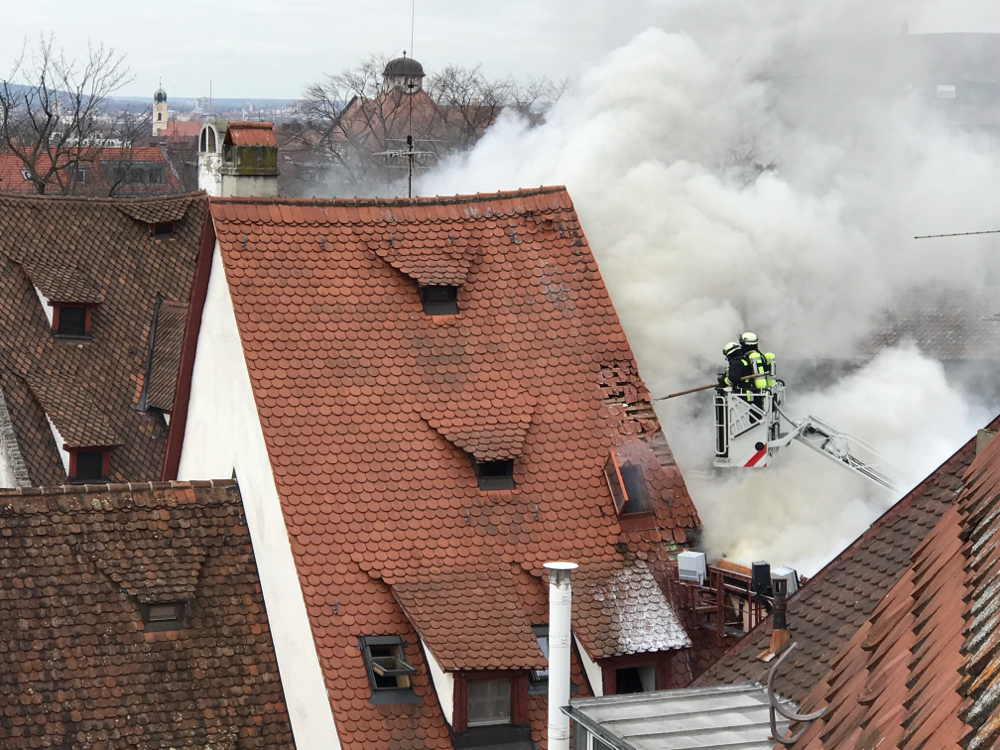Feuerwehr im Einsatz neben dem Albrecht-Dürer-Haus