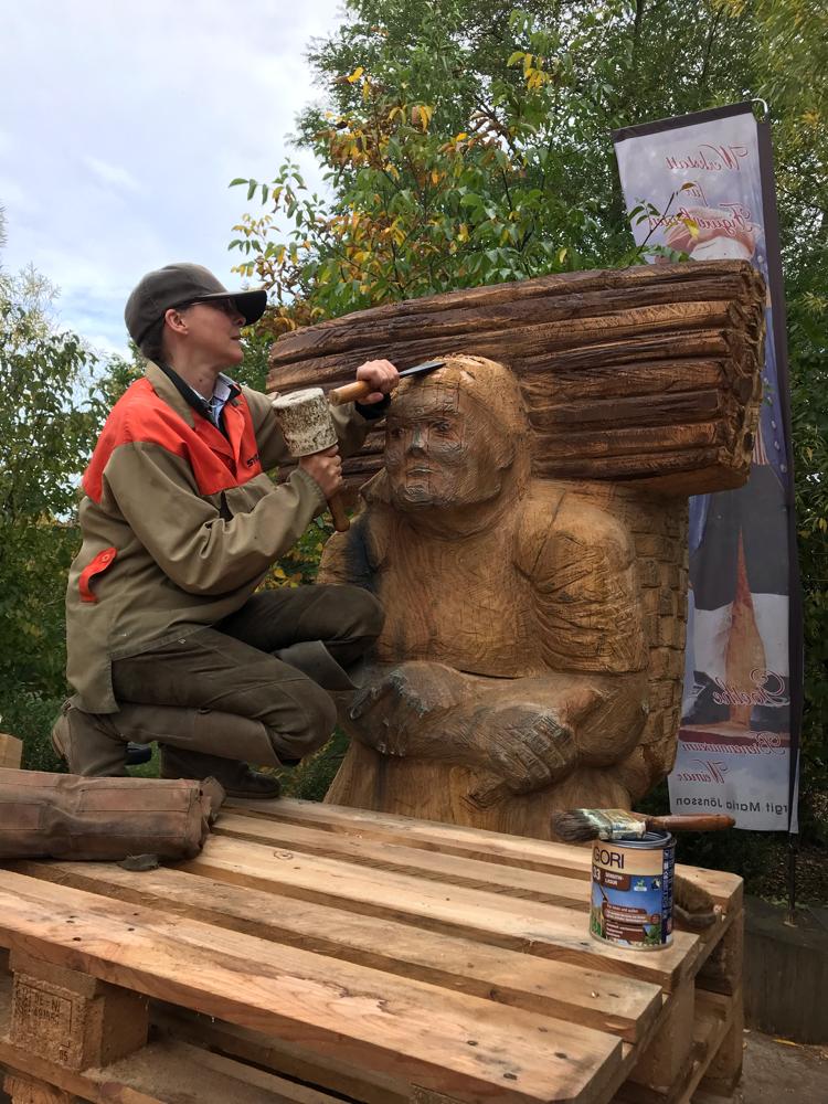 Bienenstock Holzsammlerin