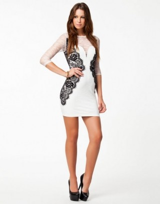 Сексуальное кружевные гипюровые платья