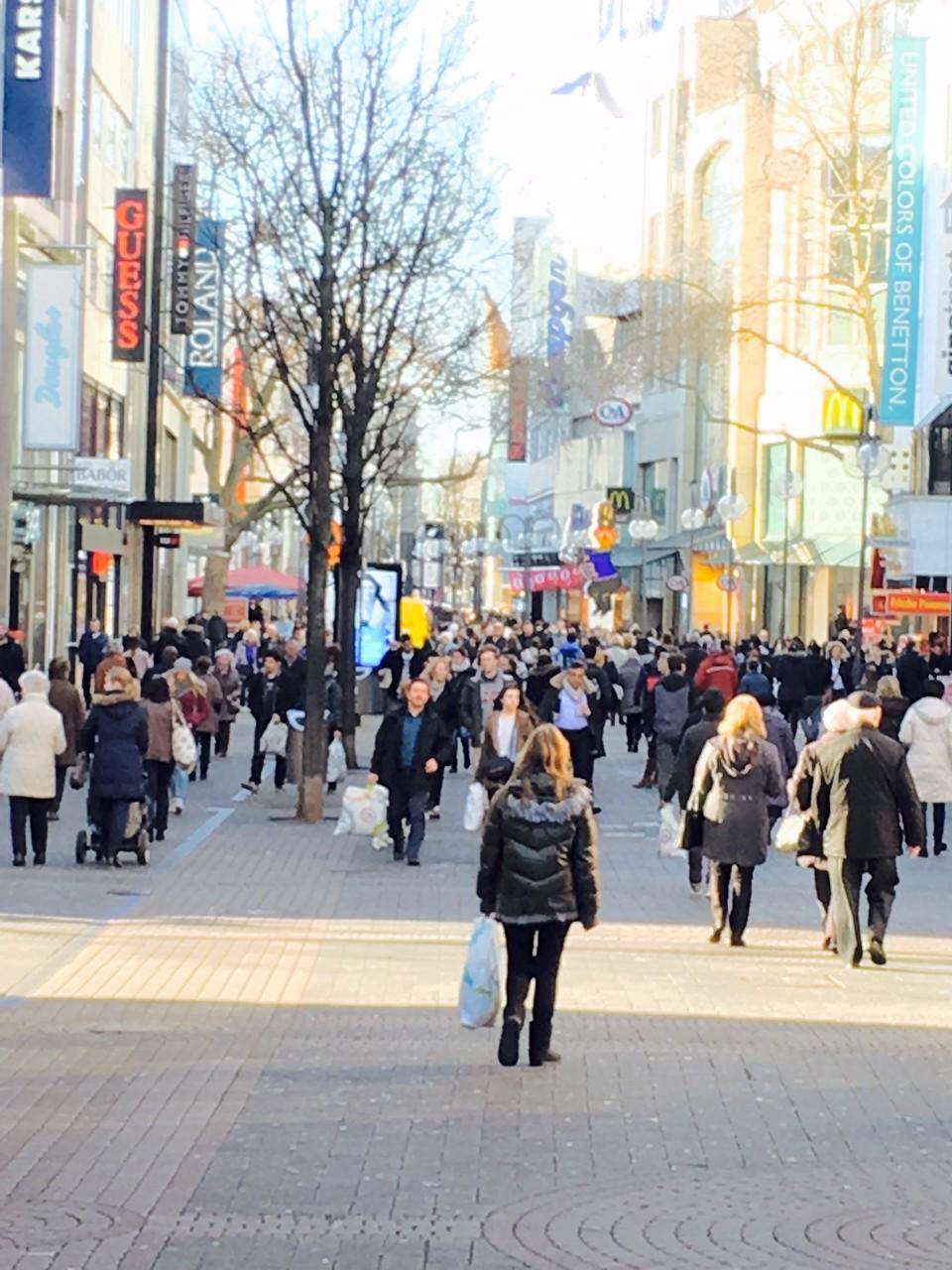 """Schildergasse"" è la zona pedonale più grande e segue a ""Neumarkt"""
