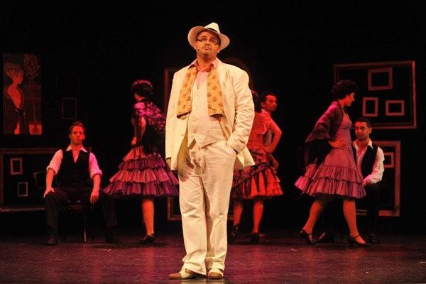 """als Tangosänger Agustin Magaldi in """"Evita"""" von Andrew Lloyd Webber; fotografiert von Peter Kainrath"""