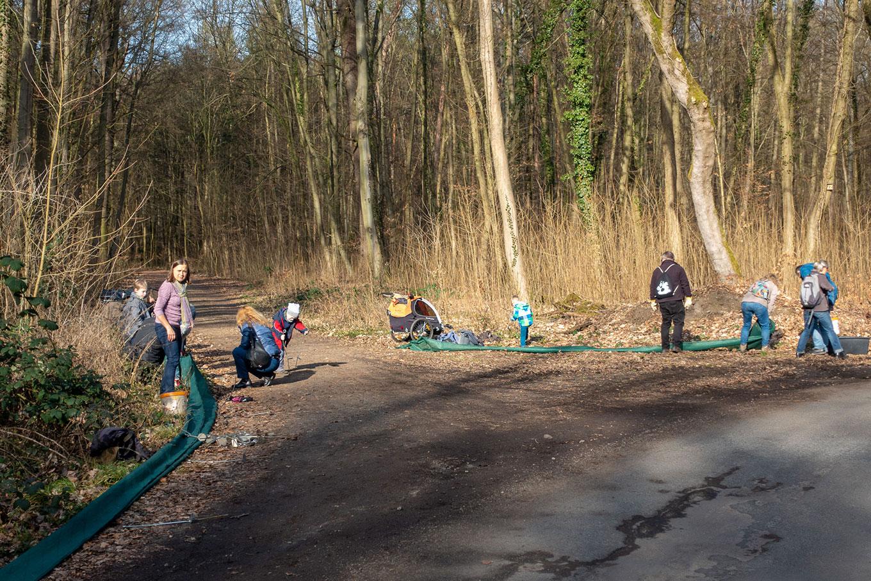 Viele Helfer trafen sich an der Oberschweinstiege.