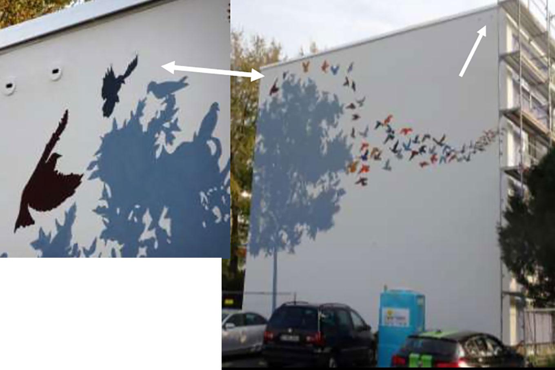 In diesem Haus in Rödelheim brüteten schon lange Mauersegler. Mit der Sanierung entstand das Wandbild. Mit dem gleichzeitigen Einbau von 16 Mauersegler-Nistplätzen wurde es zum Gesamtkunstwerk. Foto: Ingolf Grabow
