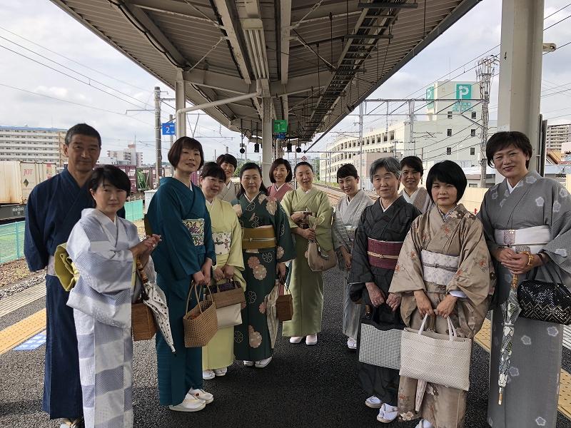 土浦駅出発組 ホームでパチリっ!
