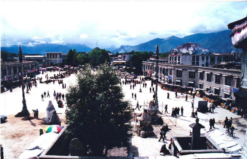 Lhasa piazza  Barkhor