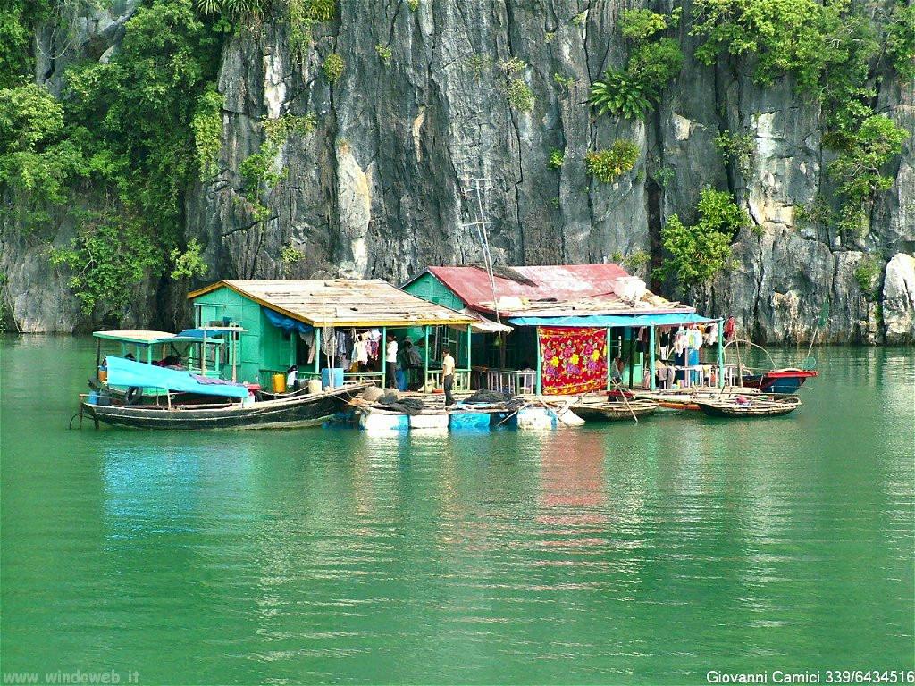 baia di Halong casa pescatori