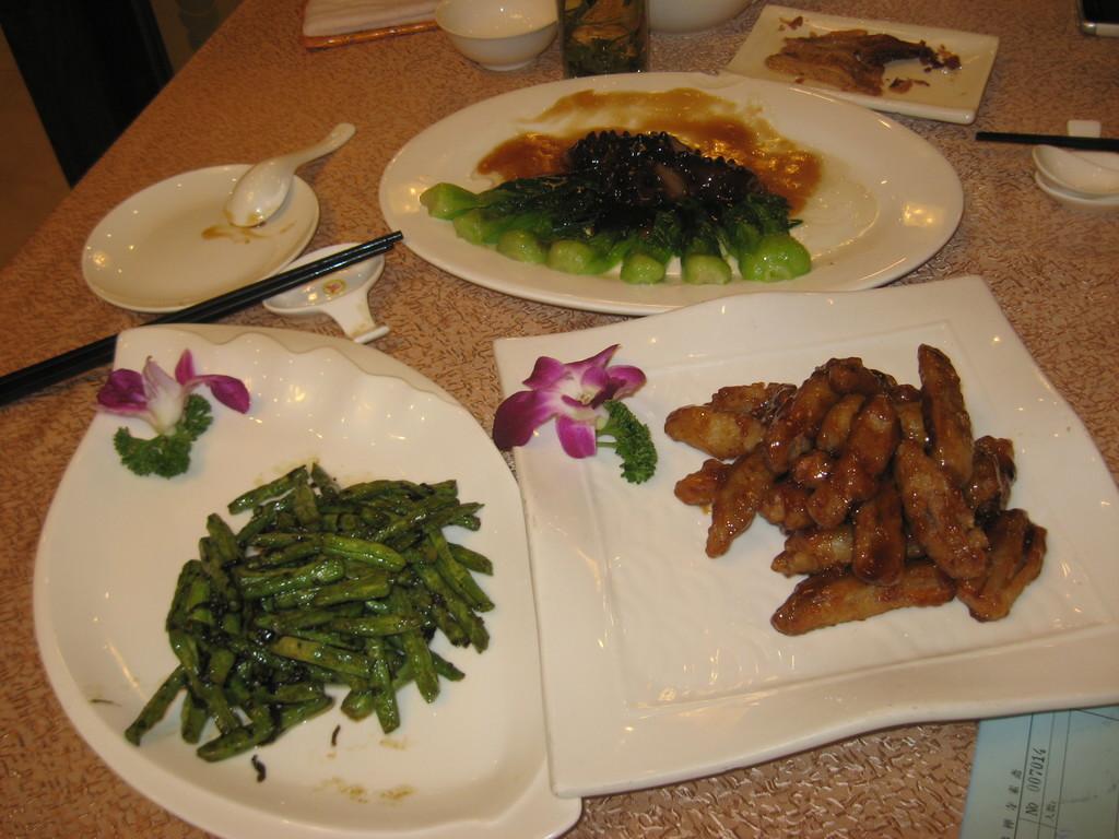 fagiolini , cetrioli di mare e maiale