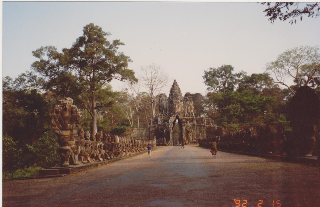 Cambogia - Angkor Thom - viale dei Naga