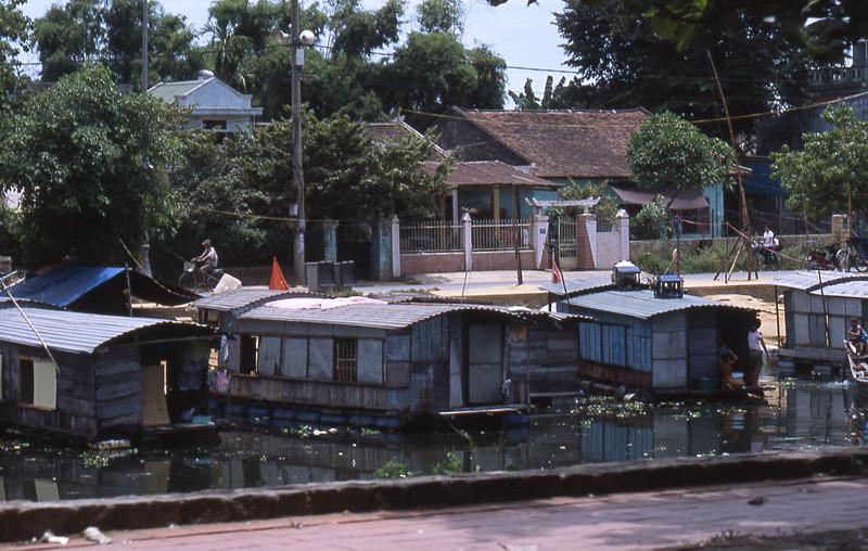 Hue case sul fiume dei profumi