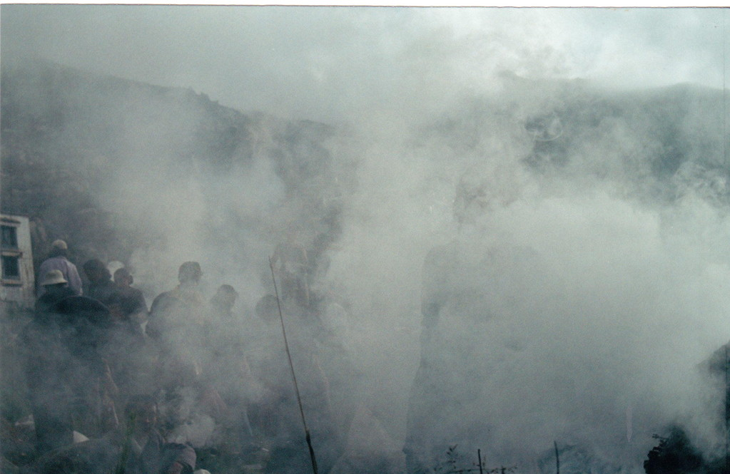 Lhasa monastero Drepung fumo di preghiera