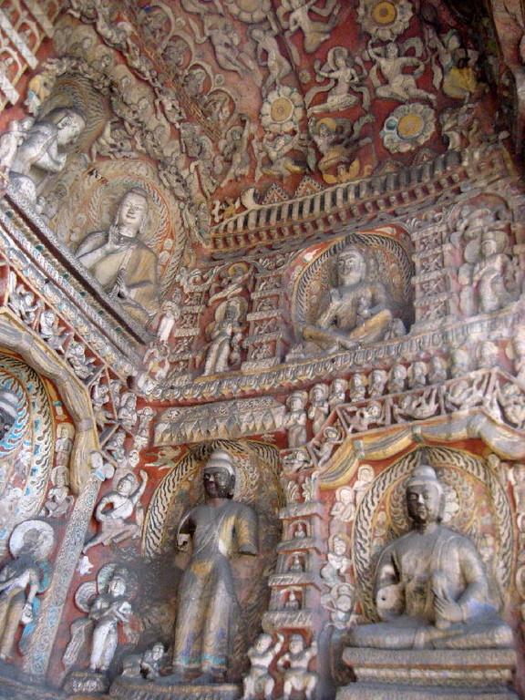 le grotte furono fatte costruire dal monaco Tan Yao