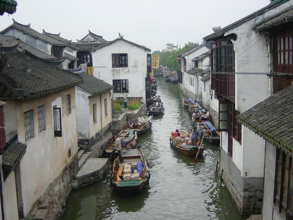 Zhouzhuang - traffico sull'acqua