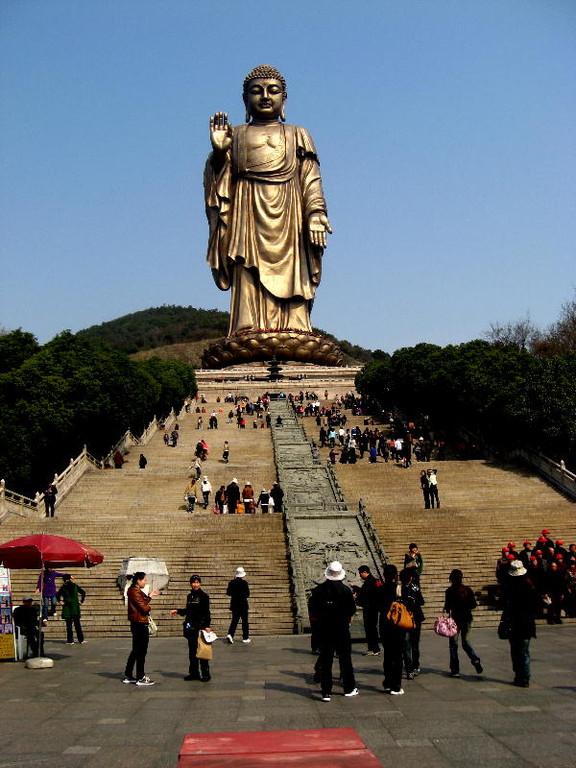 wuxi - scalinata al grande Buddha