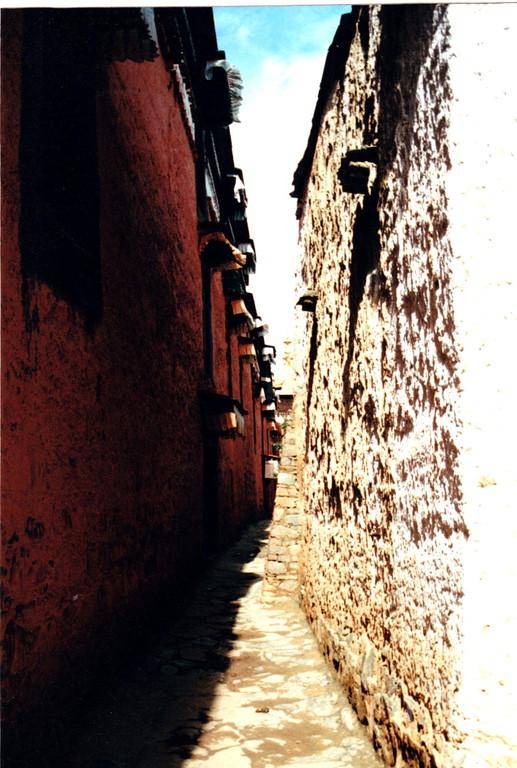 Xigatse monastero Labulenshi viuzza