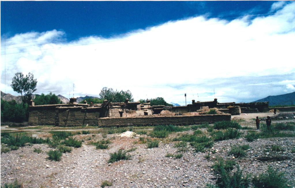 Lhasa - aeroporto casa rurale
