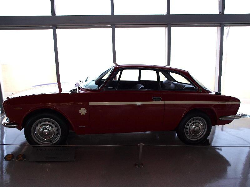 Alfa Romeo 1967 Giulia GT - fianco